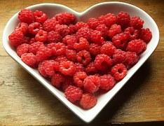 raspberries-215858__180